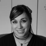 Nika Harper, writer, vlogger, and gothic dinosaur